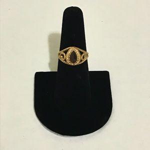Vintage Avon Twist Design Ring with Faux Topaz💍